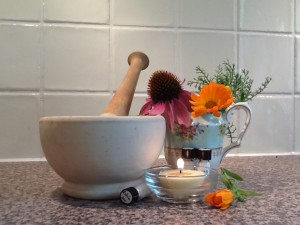 Pic pestle mortar flowers